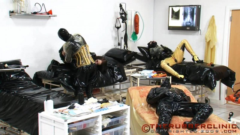 Heavy Rubber 4-Some Piss Orgy. Therubberclinic com (170 MB)