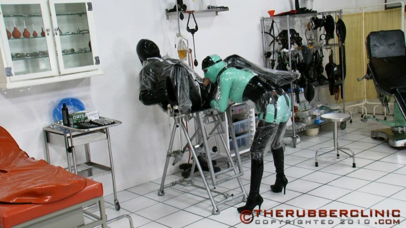 Pissing Plastic & Rubber Gyno Games. Stunning Rubber and Plastic pissing action. Therubberclinic (153 MB)