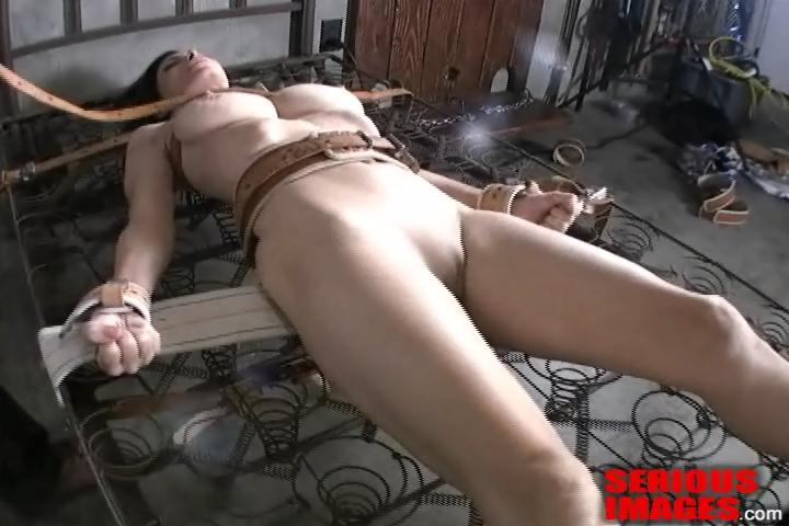 girls licking clit soft