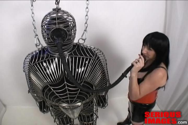 Miss Gwen - Custom Cage Torments. Feb 23 2012. Seriousimages.com (405 Mb)