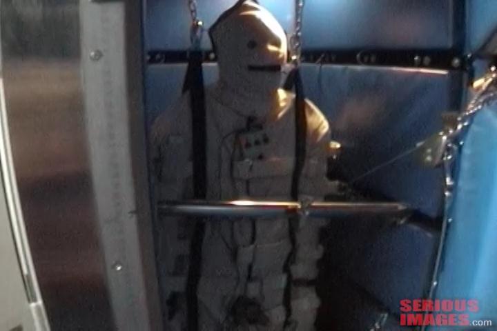 No Escape (R392). Nov 8 2014. Seriousimages.com (739 Mb)
