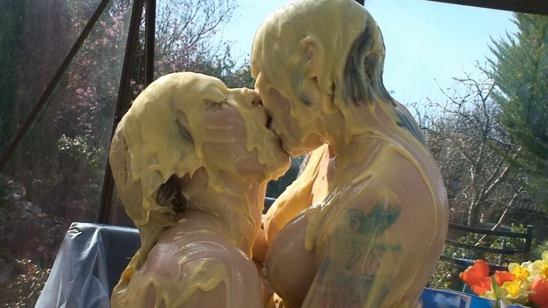 Custard Kissing Girls – Axa, Pippa (mav518p). Apr 14 2015. Messyangel.com (333 Mb)