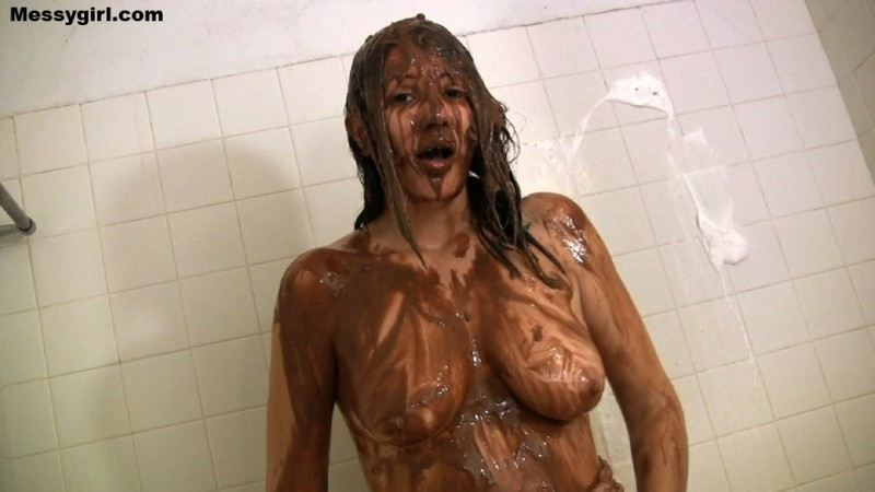 Messy Virgin Briana. May 12 2014. Messygirl.com (149 Mb)