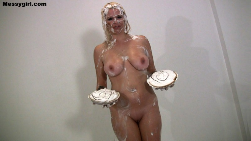 Pied at the Wet T-Shirt Contest - Kordelia. Apr 21 2014. Messygirl.com (158 Mb)
