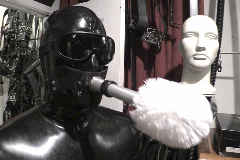 The Rubber Valet (R247). Aug 09 2014. Seriousmalebondage.com (163Mb)