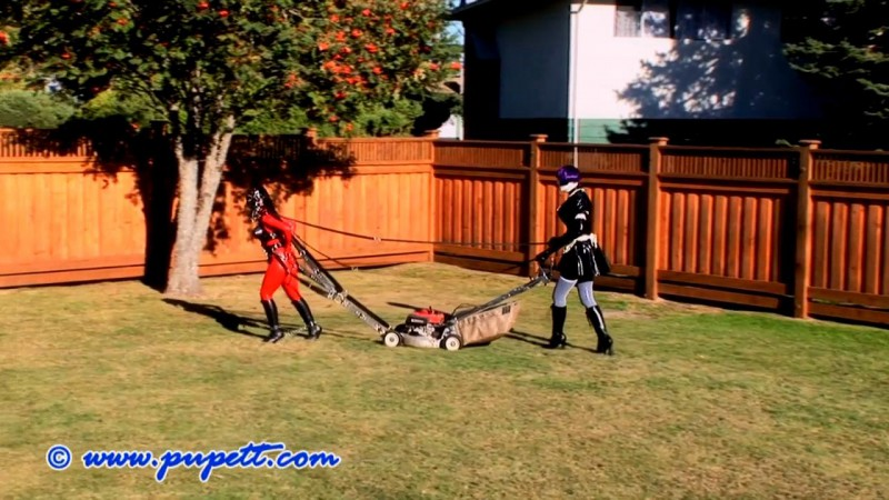 A Day In Rubberpony's Life - Fetish Model Pupett, Steffy The Rubberdoll and J.G. Leathers Part Four (Clip215). Feb 08 2015. Pupett.com (298 Mb)