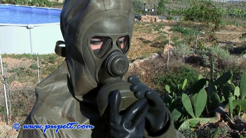 Working In The Garden – Pupett Part Three (Clip236). Dec 20 2015. Pupett.com (325 Mb)