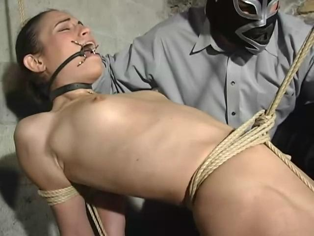 Abused Pussy with Amber Rayne. BackDoorBondage.com (334 Mb)