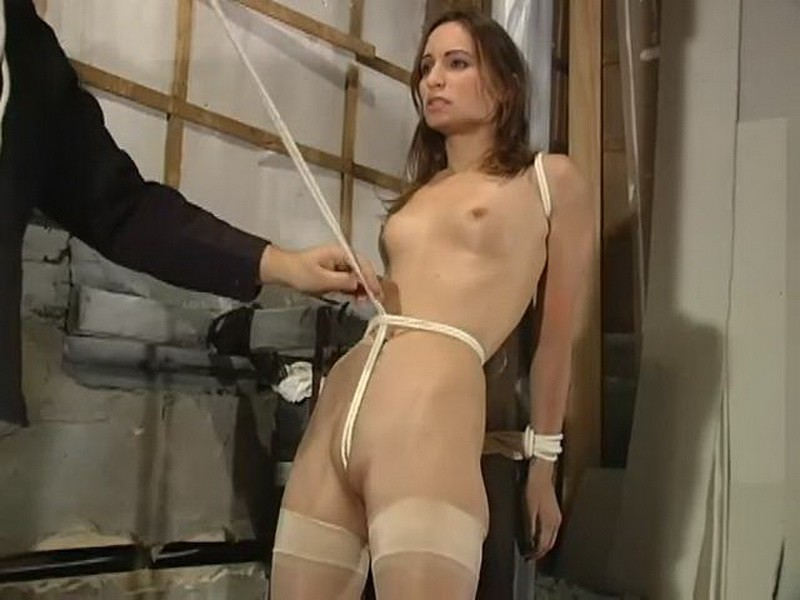 Blakemore Bondage with Amber Rayne. BackDoorBondage.com (321 Mb)