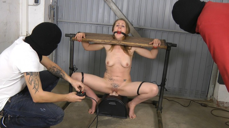 Blow and Sybian Torture. Amateure-Xtreme.com (292 Mb)