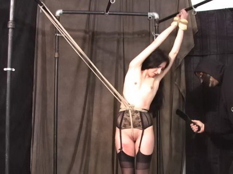 In Pain with Scarlette. BackDoorBondage.com (583 Mb)