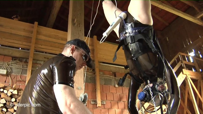 Suspended Breathing Apparatus - Anna Rose and Das Creep Part 2. Jun 05 2015. AlterPic.com (379 Mb)