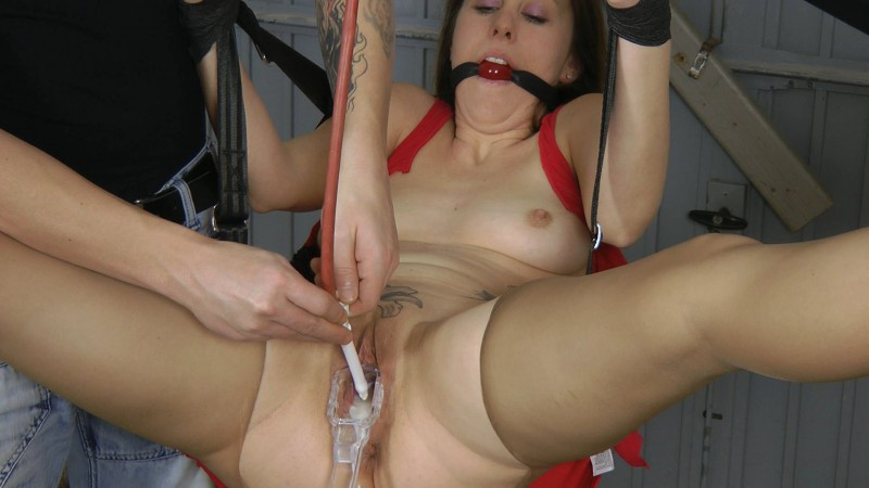 Tattoo Bitch Enema – Sandra. Amateure-Xtreme.com (447 Mb)