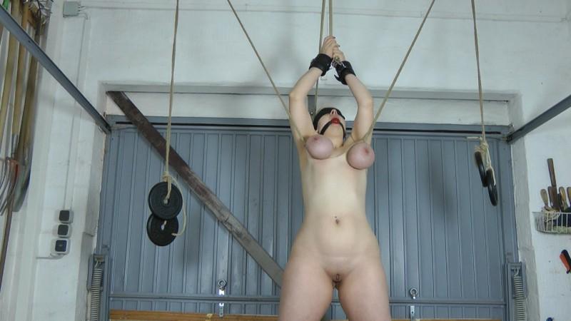 Tit Training. Amateure-Xtreme.com (141 Mb)