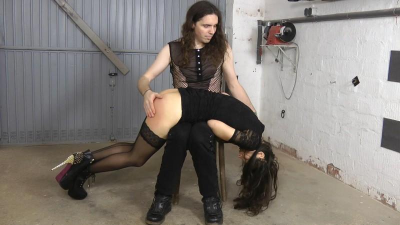 Spank Ass – Aiyana. Amateure-Xtreme.com (83 Mb)