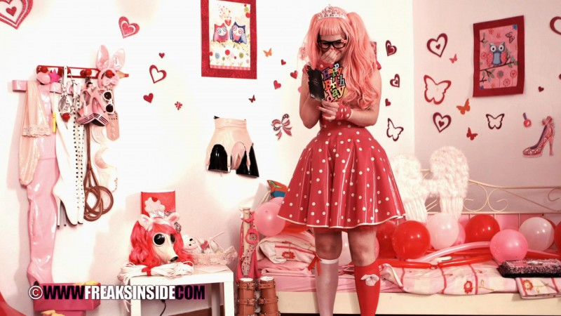 A Nice Surprise – Princess Almighty And Cynth Icorn Part One. Jun 03 2015. Freaksinside.com (776 Mb)