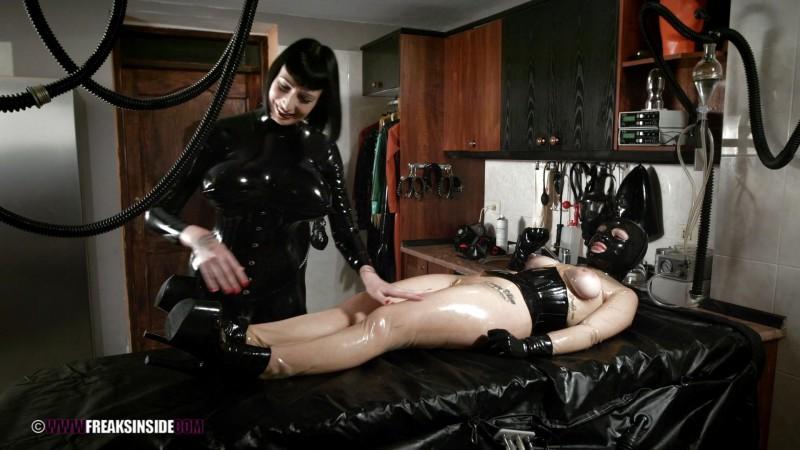 Plumming Experiments – Mistress Minerva And Chiara Diletto Part Three. Nov 12 2015. Freaksinside.com (720 Mb)