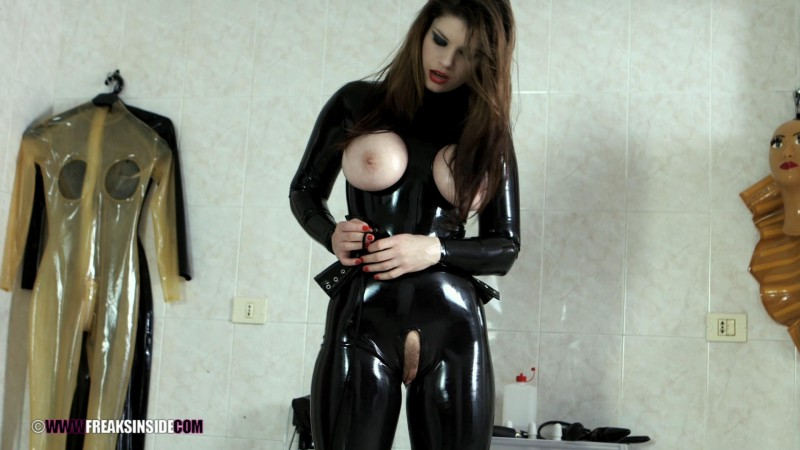 Rubber Doll Training – Lucia Love And Slutty Affection Part One. Dec 09 2015. Freaksinside.com (701 Mb)