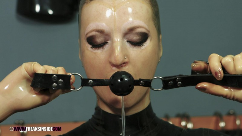 Trapped In Rubber – Zara Durose Part Five. Jan 27 2016. Freaksinside.com (725 Mb)