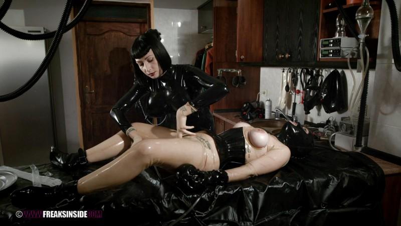 Plumming Experiments – Mistress Minerva And Chiara Diletto Part Five. Feb 04 2016. Freaksinside.com (713 Mb)