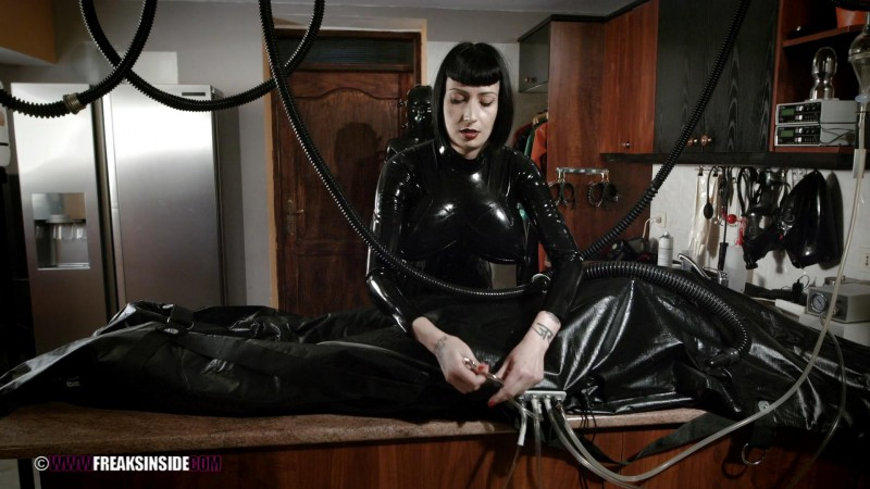 Plumming Experiments – Mistress Minerva And Chiara Diletto Part Seven. Mar 30 2016. Freaksinside.com (657 Mb)