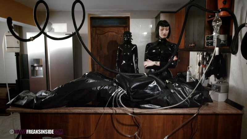 Plumming Experiments – Mistress Minerva And Chiara Diletto Part Eight. May 18 2016. Freaksinside.com (666 Mb)