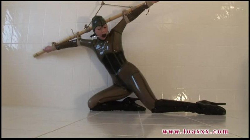 Julia Power in Rubber And Ballet Boots (TX283). Nov 12 2016. Toaxxx.com (163 Mb)