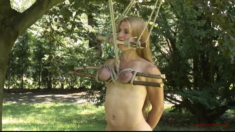 Outdoor Breast Predicament for Katharina (TX158). Aug 29 2015. Toaxxx.com (417 Mb)