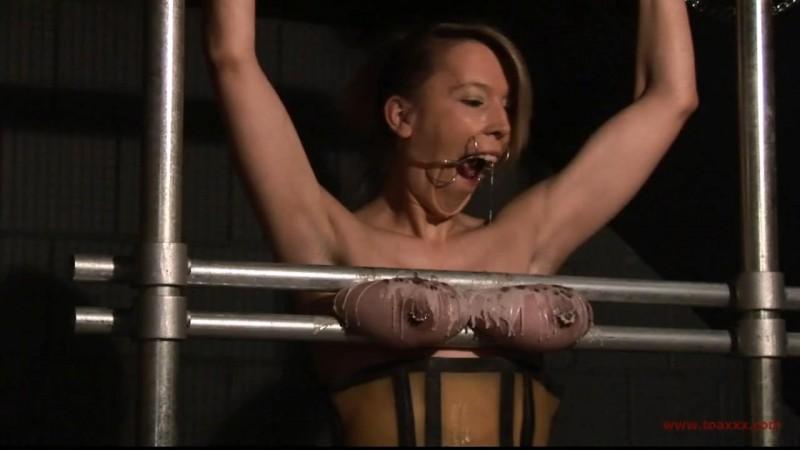 Slave Eva – Tits in Steel (TX173). Oct 24 2015. Toaxxx.com (344 Mb)