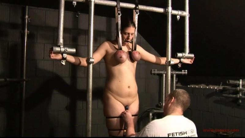 Bea – Tit Slave Casting Part 2 (TX168). Oct 07 2015. Toaxxx.com (639 Mb)