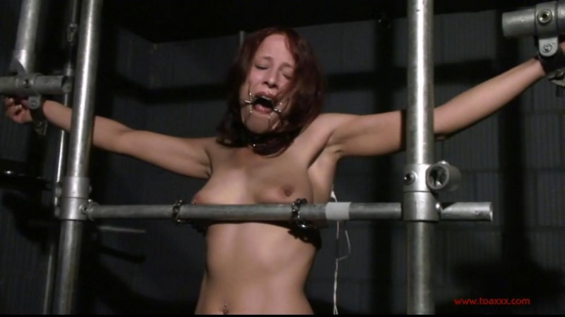 Melanie in the Dungeon (TX092). Jan 10 2015. Toaxxx.com (331 Mb)