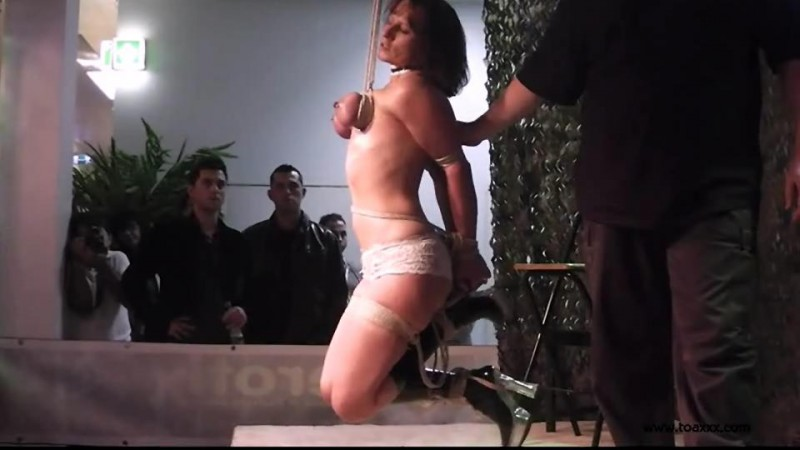 Public Breast Suspension for Slave D (TX088). Dec 27 2014. Toaxxx.com (219 Mb)