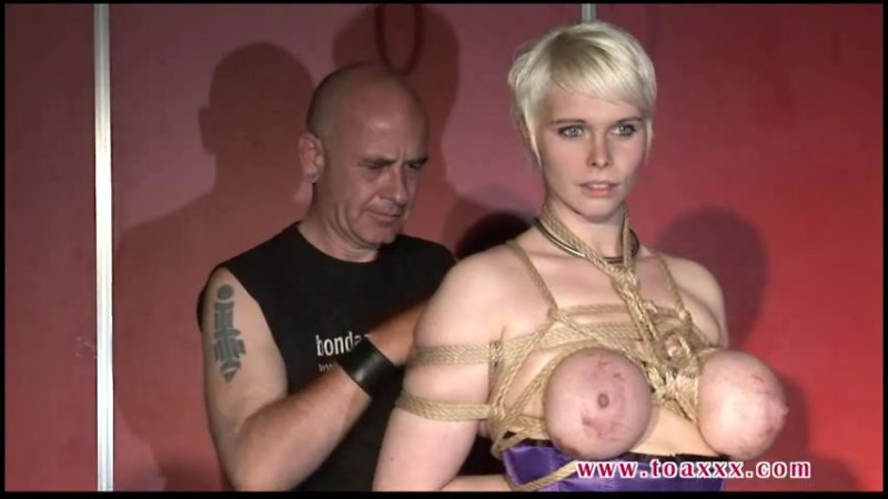 Red Hibisca – Public Breast Suspension (TX030). Dec 14 2013. Toaxxx.com (535 Mb)