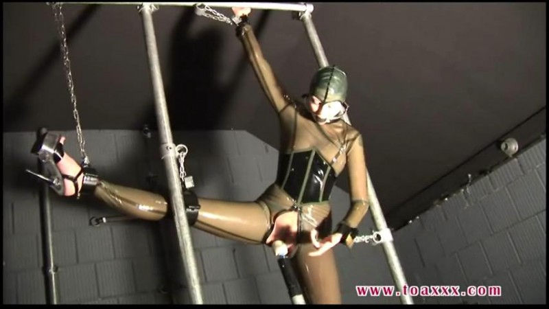 Sexy Rubber Slave Julia Power (TX046). Apr 05 2014. Toaxxx.com (286 Mb)