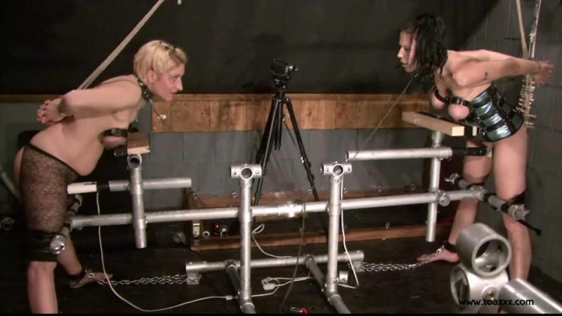 Slave Eva & Teresa Lynn in the Dungeon (TX112). Mar 21 2015. Toaxxx.com (354 Mb)