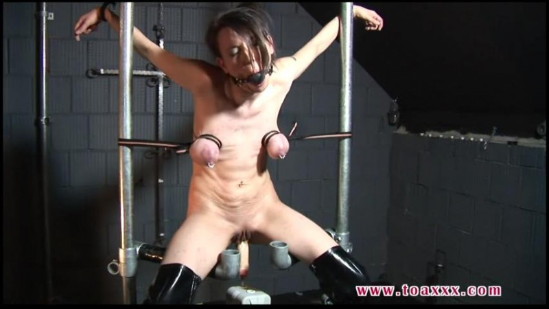 Slave Eva in the Dungeon (TX083). Dec 10 2014. Toaxxx.com (199 Mb)