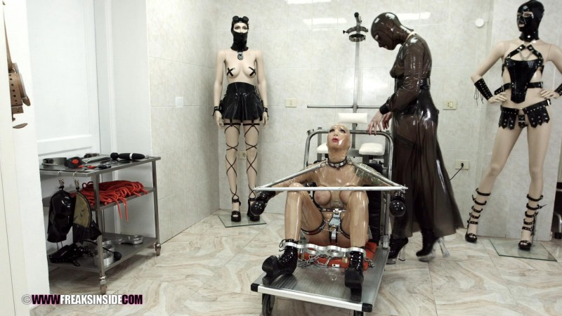 Metal Bondage – Cynth Icorn And Crystal Star Part One. Dec 11 2016. Freaksinside.com (914 Mb)