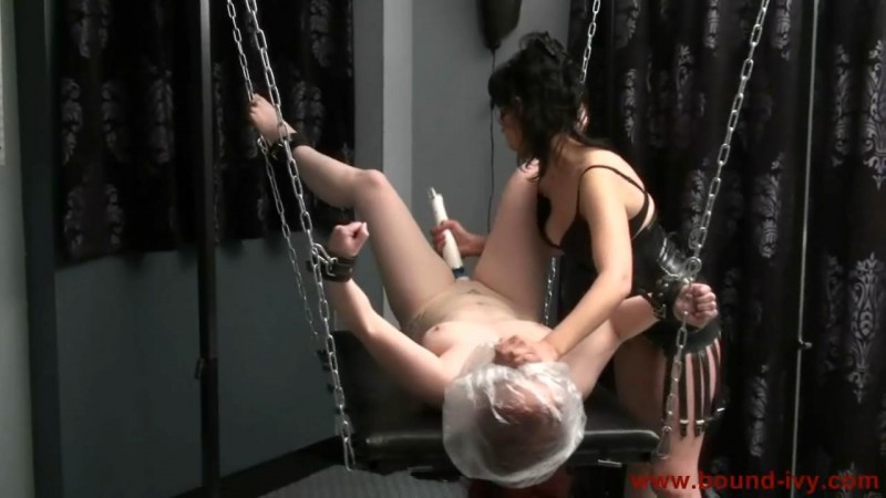 Bagging for an orgasm (Ivy0203). Bound-ivy.com (90 Mb)