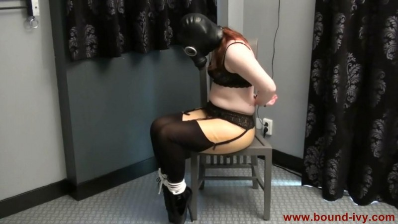 Stiletto heels and gas mask (Ivy0294). Bound-ivy.com (44 Mb)