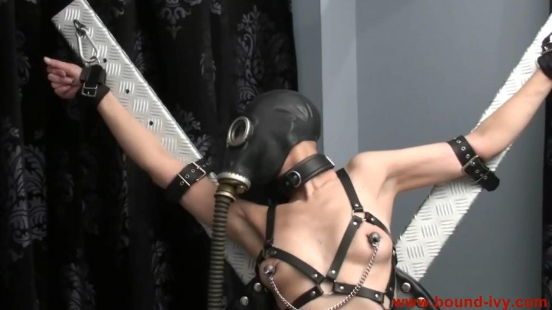 The iron cross (Ivy0152). May 25 2012. Bound-ivy.com (60 Mb)