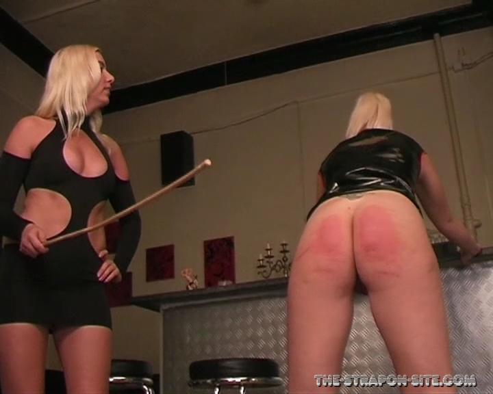 La Femme Fatale - Steffie A Masochist Lesbian. 19.03.2016. The-strapon-site.com (316 Mb)