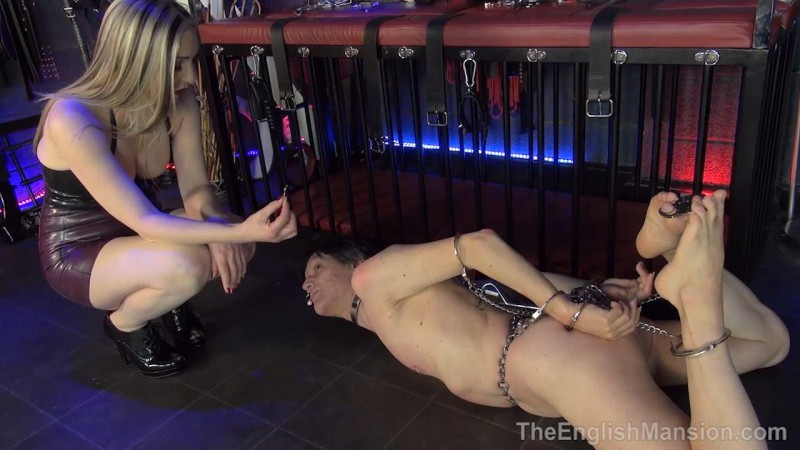 Chain Hogtie Predicament – Mistress Sidonia. TheEnglishMansion.com (753 Mb)
