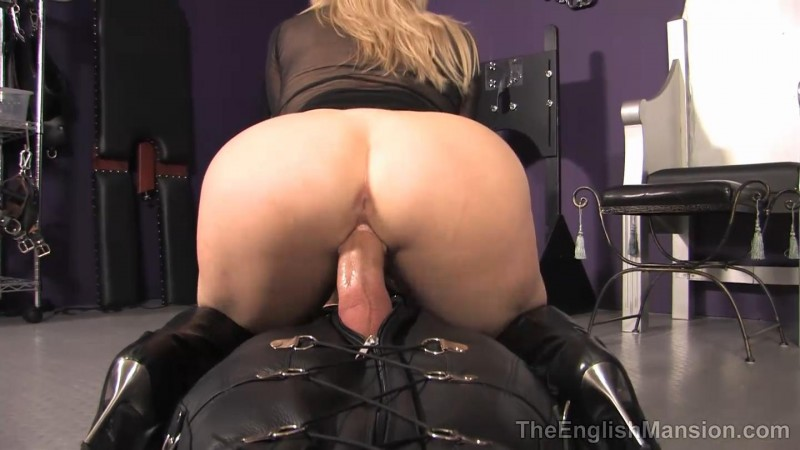 Fucked And Frustrated In The Sack – Mistress Sidonia. TheEnglishMansion.com (188 Mb)