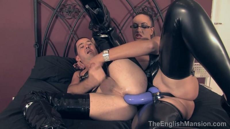 Kinky Pegging –Mistress Pandora. TheEnglishMansion.com (339 Mb)
