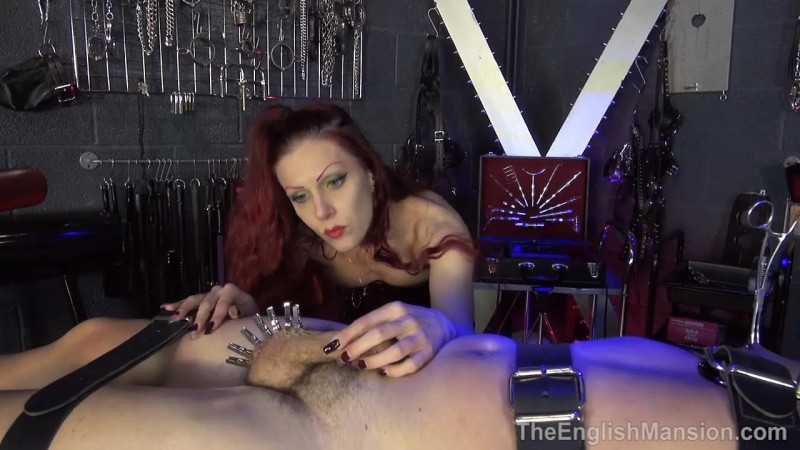 Suffer For Her Smoke – Mistress Regina. TheEnglishMansion.com (487 Mb)