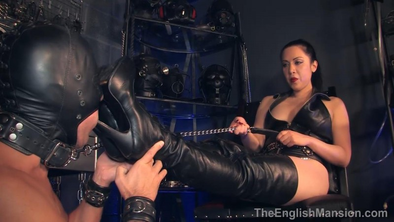 Torment And Pleasure Boots – Lydia Supremacy. TheEnglishMansion.com (350 Mb)