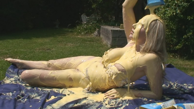 Danielle Sunbathing (mav680e). Jul 01 2017. Messyangel.com (410 Mb)