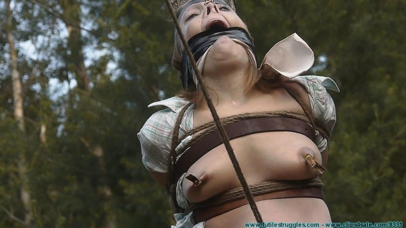Punishing Outdoor Bondage for Rachel. Futilestruggles.com (1799 Mb)