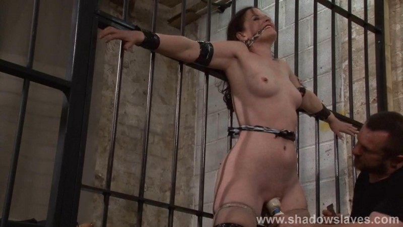 Slavegirl Caroline Pierce - Roughed Up. ShadowSlaves.com (873 Mb)