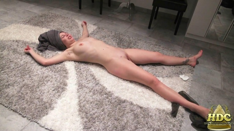 Drunk Girl Angela. HotDrinkingChicks.com (4796 Mb)